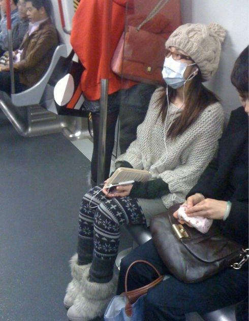謝安琪搭港鐵