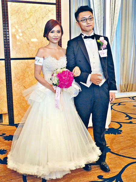 「經濟壓力及繁瑣的婚禮籌備,令雙方摩擦不斷增加」,將於下月結婚的Ivy坦言,曾想過做「走佬新娘」。結婚乃人生大事,一眾新人都想辦得盡善盡美,Ivy與未婚夫Olun安排到上海拍婚紗照,又訂下香格里拉酒店約廿圍酒席,一切準備妥當。Ivy更因買樓問題,想過推遲結婚,籌備過程中又突然懷疑自己是否已預備好,萌生逃婚念頭。