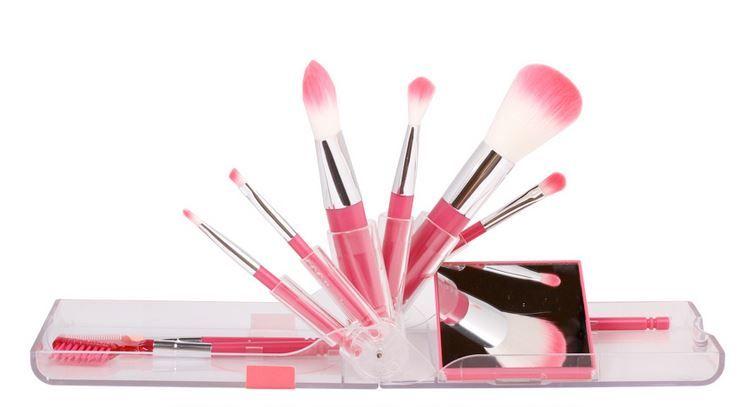 6款浪漫粉紅化妝掃推介!創意滿分旅行掃+玫瑰金專業刷具!