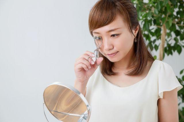 5. 每周清潔睫毛夾,並每3個月更換一次膠墊。