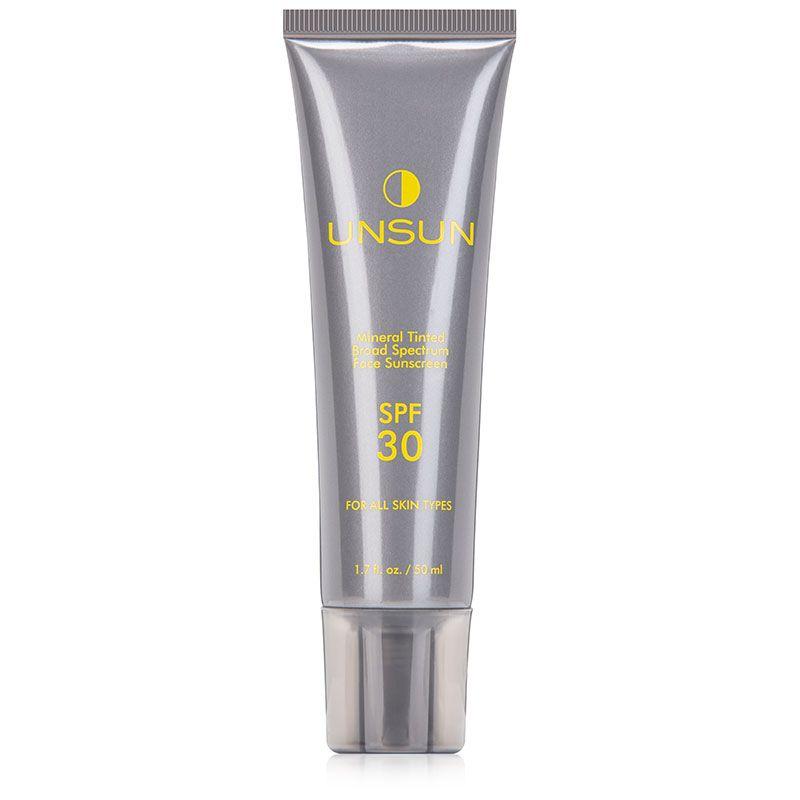 Step6:最後,在化妝前塗上防曬打底。UNSUN Mineral Tinted Sunscreen US $29