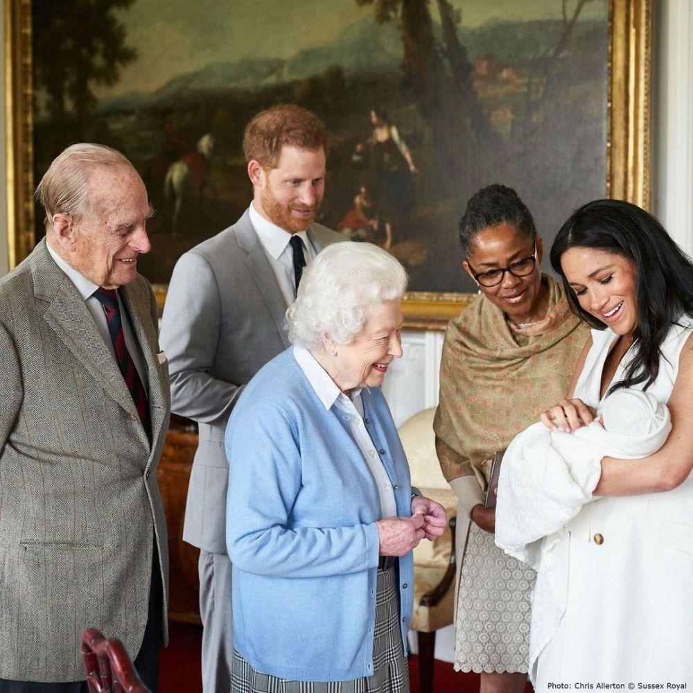 鄧肯補充,這意味著當談及王室成員的日程時,哈利和梅根不再是考慮因素。