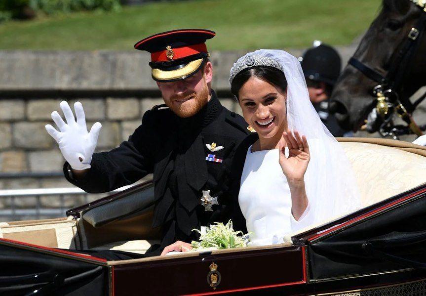 哈利王子和太太梅根曾被視為英國最「 反叛」的王室成員。他們因不遵守王室的傳統規矩,公開指出王室的不是,出盡風頭,而和其他王室成員心生嫌隙,惹來民眾的不滿。2021年5月19日,是英國的哈利王子和太太梅根的結婚3周年紀念日。