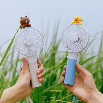 吹走悶熱暑氣!夏日必備LINE FRIENDS手提風扇