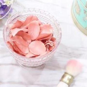 送禮自用都好!動手做粉色花瓣胭脂