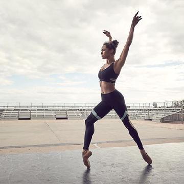 不一定輸在起跑線?!芭蕾舞首席舞者Misty Copeland曾被學校拒收