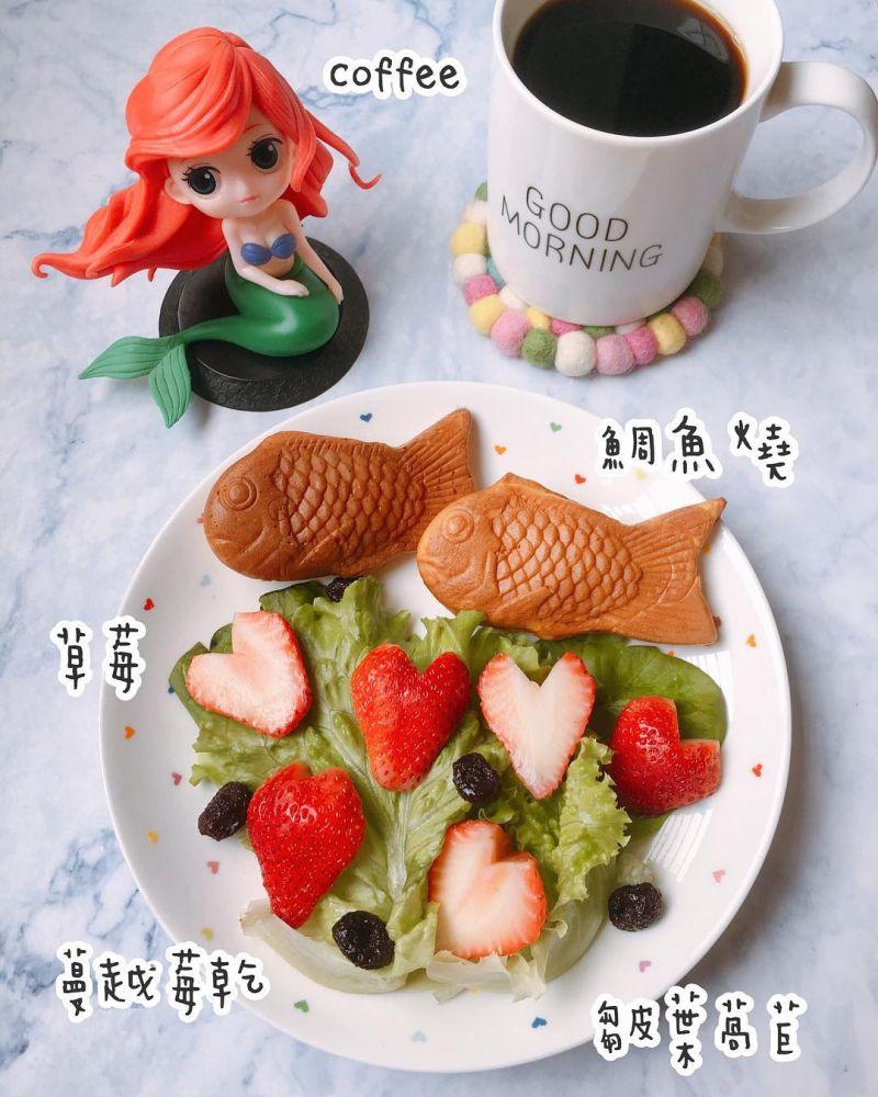 鯛魚燒莓果早餐