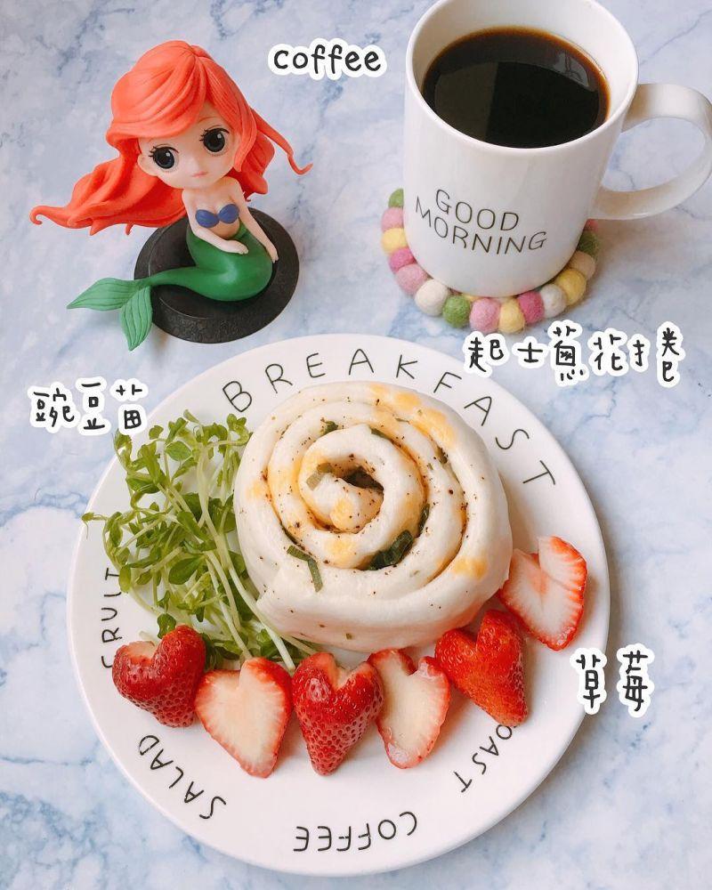 芝士蔥花捲早餐