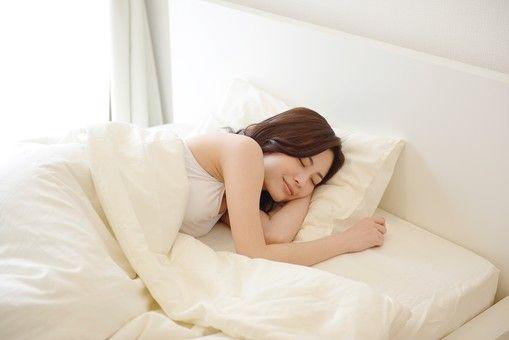 5. 足夠睡眠:前文提到,作息不定時、晚睡晚起皆是導致水腫的成因之一,因此在日常生活中,我們也該確保自己擁有充足、優質的睡眠,減低水腫的機會!