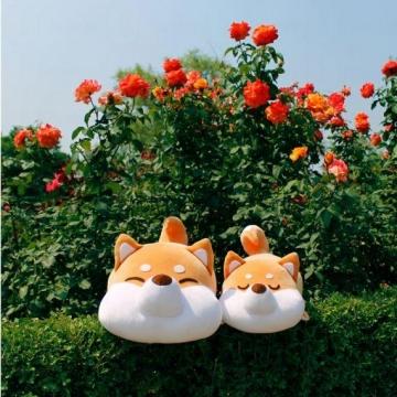 抱著軟綿綿的狗狗入睡?韓國柴犬麻糬公仔