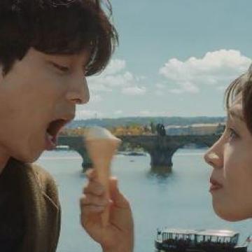 與女主角一齊吃雪糕?男神孔劉新廣告拍出布拉格之戀