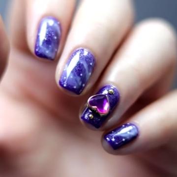 用繁星點綴!夢幻紫色銀河系美甲