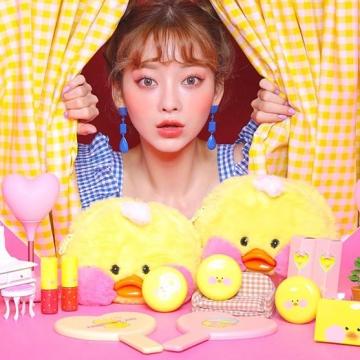聯乘超紅「玻尿酸鴨 」!韓國Beige Chuu x Cafe Mimi推出彩妝